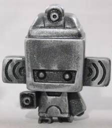 Spraybot_-_tarnished_colorway-mad_jeremy_madl_seriouslysillyk_kathleen_voigt-lo-tech_constructs-brok-trampt-266387m