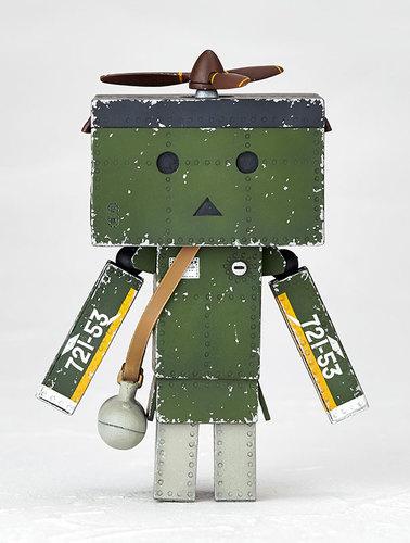 Revoltech_danboard_mini_zero_fighter_type-52_ver-enoki_tomohide-danboard-kaiyodo-trampt-270675m