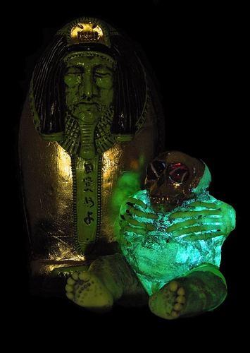 10th_anniversary_plaseebo_mummy_set_4-plaseebo_bob_conge-plaseebo_mummy-trampt-273602m