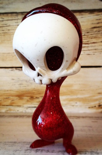 Hand_painted_red_glitter_mini_resin_skelve-brandt_peters_kathie_olivas-skelve-circus_posterus-trampt-273761m