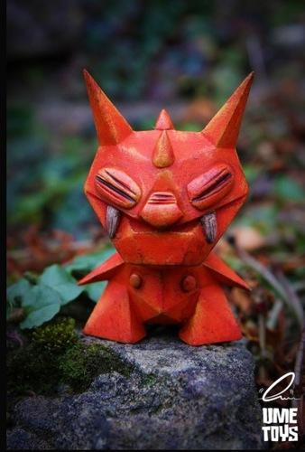 Lionel_evil_origami-alto_chris_dobson_ume_toys_richard_page-little_ox-alto-trampt-278576m
