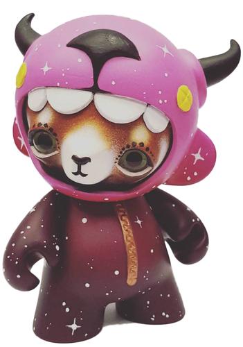 Red_panda_space_suit-tomodachi_island_emelie_jensen-munny-trampt-279528m