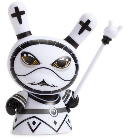 Shah_mat_dunny_chess_-_bishop_white-otto_bjornik-dunny-kidrobot-trampt-281086m