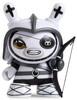 Shah_mat_dunny_chess_-_rook_white-otto_bjornik-dunny-kidrobot-trampt-281088t