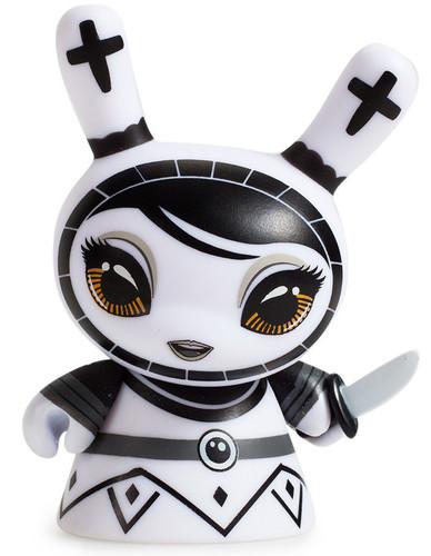 Shah_mat_dunny_chess_-_pawn_white-otto_bjornik-dunny-kidrobot-trampt-281089m