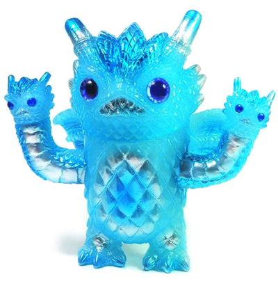 Pineapple_monster_-_gid_blue-kenneth_tang-pineapple_monster-black_seed-trampt-281288m