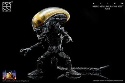 Alien_hybrid_metal_figuration-hero_cross-designer_toy-hero_cross-trampt-281524m