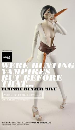 Vampire_hunter_miyu-ashley_wood-isobelle-threea_3a-trampt-281530m