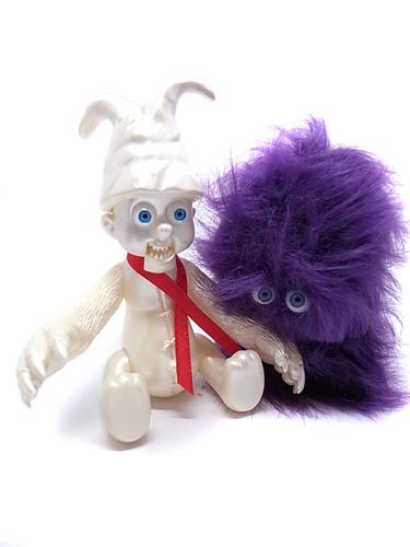 Yumenoko_-_purple__white-t9g_takuji_honda-yumenoko-medicom_toy-trampt-282251m