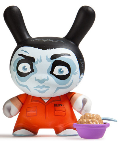 Hopper_the_cereal_killer-scott_tolleson-dunny-kidrobot-trampt-283978m