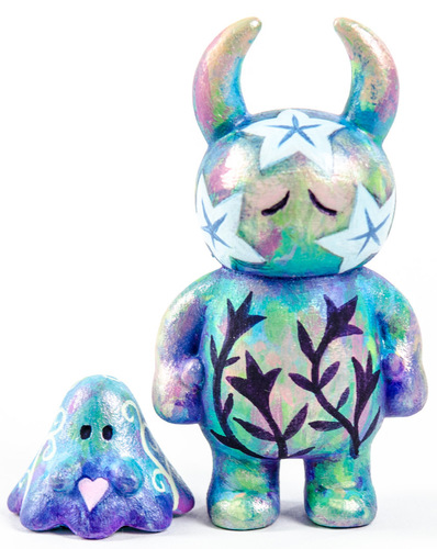 Uamou_and_boo_gift_wrapped-jeremiah_ketner-uamou__boo-trampt-285833m