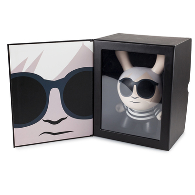 8_masterpiece_dunny__andy_warhol-andy_warhol-dunny-kidrobot-trampt-285883m