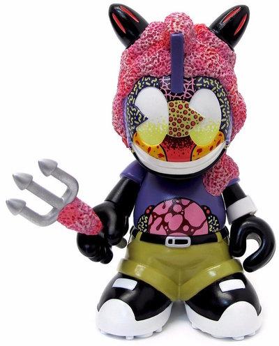 Pink_coral-sekure_d-kidrobot_mascot-trampt-286094m