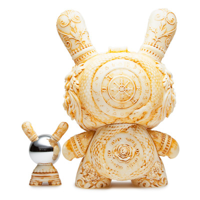 Arcane_divination_the_clairvoyant_-_ivory-jryu_jryu-dunny-kidrobot-trampt-286394m