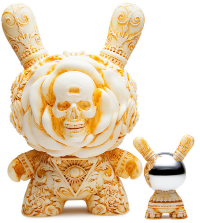 Arcane_divination_the_clairvoyant_-_ivory-jryu_jryu-dunny-kidrobot-trampt-286395m