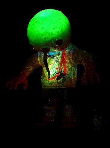 Electro_doublethink_night_gamer-plaseebo_bob_conge-doublethink-trampt-286494m