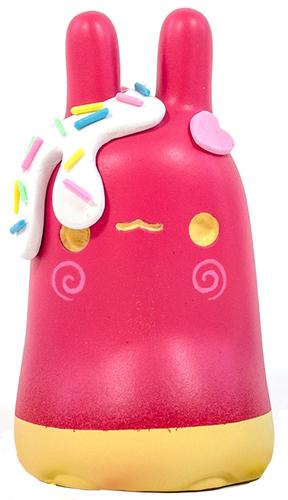 Strawberry_cheescake_bun_bun-tomodachi_island_emelie_jensen-mr_bun_bun-self-produced-trampt-286757m