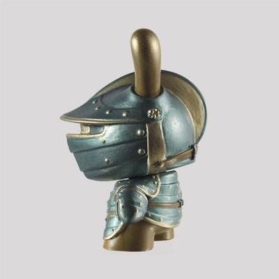 Summer_knight-fiona_ng_darthasterisk-dunny-kidrobot-trampt-287609m