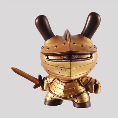 Autumn_knight-fiona_ng_darthasterisk-dunny-kidrobot-trampt-287611m