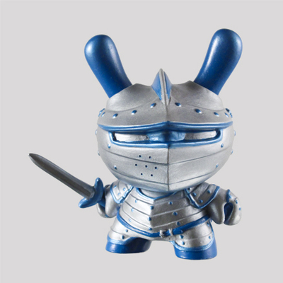 Winter_knight-fiona_ng_darthasterisk-dunny-kidrobot-trampt-287614m