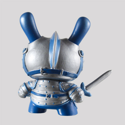 Winter_knight-fiona_ng_darthasterisk-dunny-kidrobot-trampt-287616m