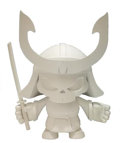 Skullhead_blank-huck_gee_jon-paul_kaiser-skullhead_samurai-pobber_toys-trampt-287751m