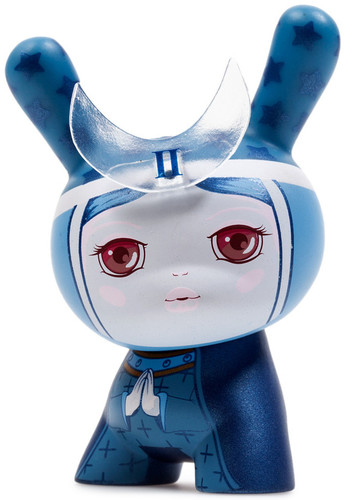 The_high_prestess-camilla_derrico-dunny-kidrobot-trampt-287878m