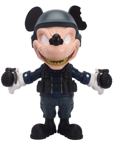 Riot_blue_war_mouse-clogtwo-war_mouse-mighty_jaxx-trampt-288350m