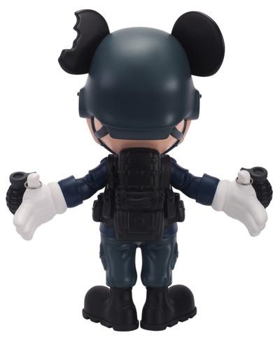 Riot_blue_war_mouse-clogtwo-war_mouse-mighty_jaxx-trampt-288351m