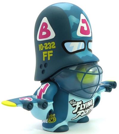 Flying_fortress_trooper_artoyz_variant-flying_frtress-teddy_troops-artoyz-trampt-288532m