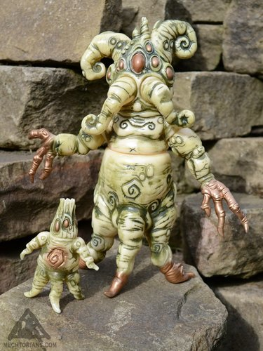 Mandrake-doktor_a-mandrake_root-toy_art_gallery-trampt-288564m