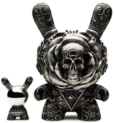 Arcane_divination_the_clairvoyant_-_antique_silver-jryu_jryu-dunny-kidrobot-trampt-289455m