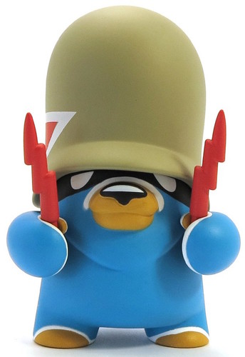 Basic_trooper_blue_artoyz_variant-flying_frtress-teddy_troops-artoyz-trampt-289610m