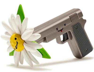 Bff_-_killer__daisy-travis_cain-bff-kidrobot-trampt-290209m