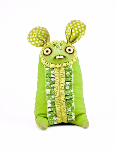 Lime_ruffles-amanda_louise_spayd-dust_bunnies-self-produced-trampt-290381m
