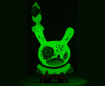 3_hay-man-brandt_peters-dunny-kidrobot-trampt-290499m