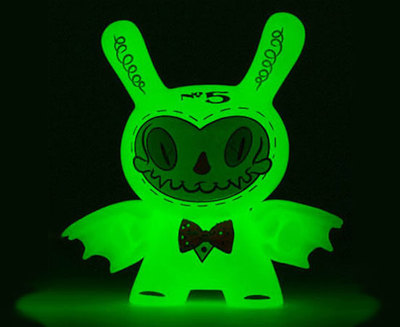 5_mr_gloom-brandt_peters-dunny-kidrobot-trampt-290503m