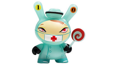10_nurse_cackle-brandt_peters-dunny-kidrobot-trampt-290510m