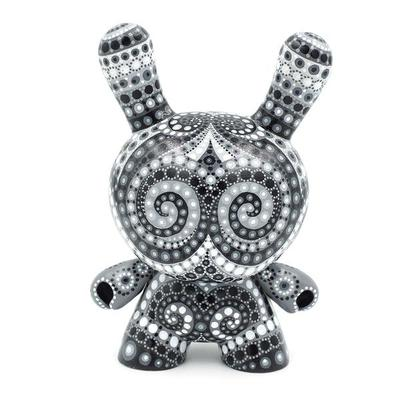 Black_and_white_8-mp_gautheron-dunny-self-produced-trampt-290833m