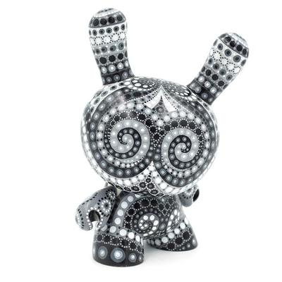 Black_and_white_8-mp_gautheron-dunny-self-produced-trampt-290834m