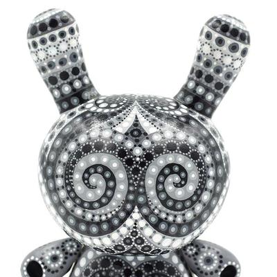 Black_and_white_8-mp_gautheron-dunny-self-produced-trampt-290835m