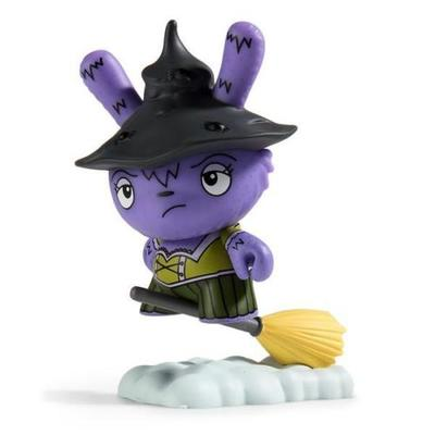 Witch-jenn_and_tony_bot-dunny-kidrobot-trampt-290891m
