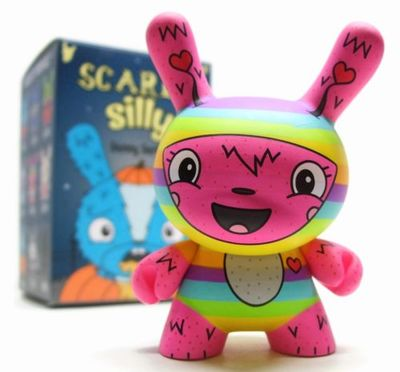 The_littlest_lovebug-jenn_and_tony_bot-dunny-kidrobot-trampt-290892m