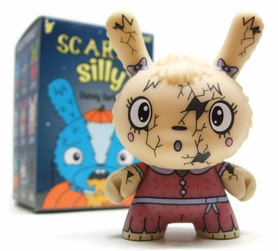 You_crack_me_up-jenn_and_tony_bot-dunny-kidrobot-trampt-290895m