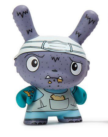 Lunch_hour-jenn_and_tony_bot-dunny-kidrobot-trampt-290902m