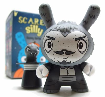 The_amazing_alumit-jenn_and_tony_bot-dunny-kidrobot-trampt-290903m