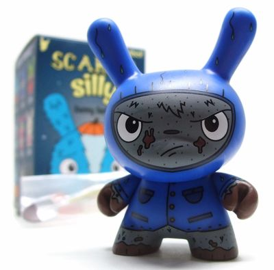 Gravedigger_blue-jenn_and_tony_bot-dunny-kidrobot-trampt-290908m
