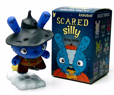 Which_witch_is_which_blue-jenn_and_tony_bot-dunny-kidrobot-trampt-290910m