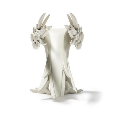 White_ravenous-colus-ravenous-kidrobot-trampt-291019m