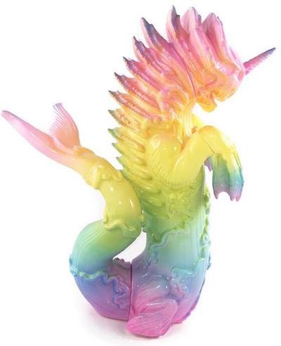 Pastel_rainbow_bake-kujira-candie_bolton-bake-kujira-toy_art_gallery-trampt-291163m